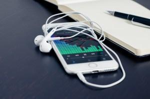 Phone music listen