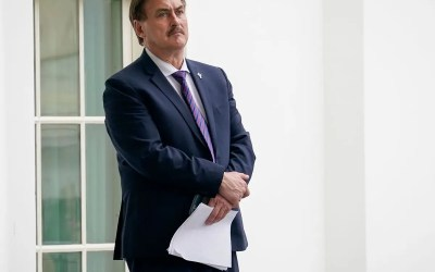 Mike Lindell speaks about his meeting with President Trump at the Oval Office.