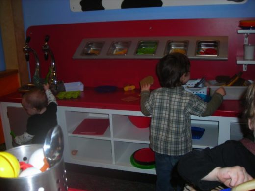 Children's Museum in Oak Lawn - ice cream shop 2 - Toddling Around Chicagoland