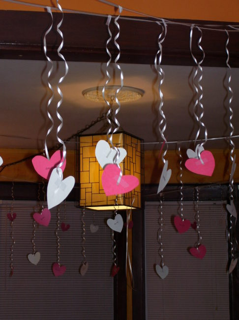 putting your heart in the right place easy inexpensive valentines day surprises toddling around chicagoland