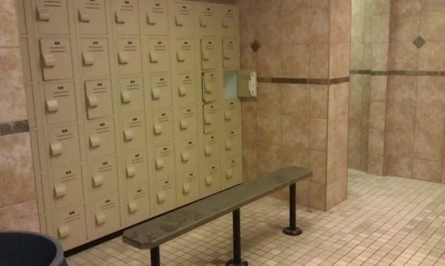 GJGBR - locker room