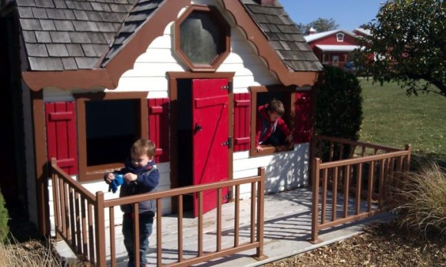 Royal Oak Farm - boys in play house - Toddling Around Chicagoland