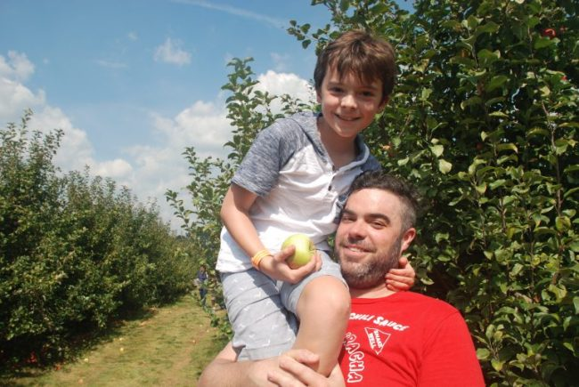apple picking at All Seasons Apple Orchard