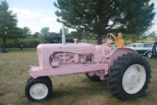 pink tractor at All Seasons Apple Orchard