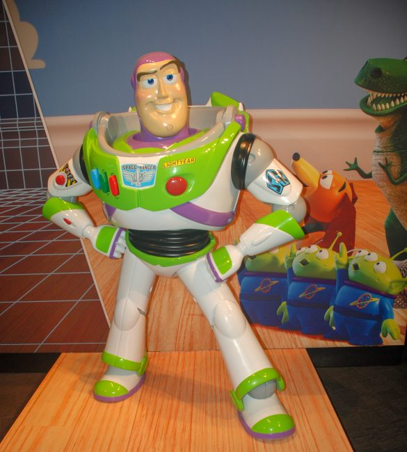 giant Buzz Lightyear