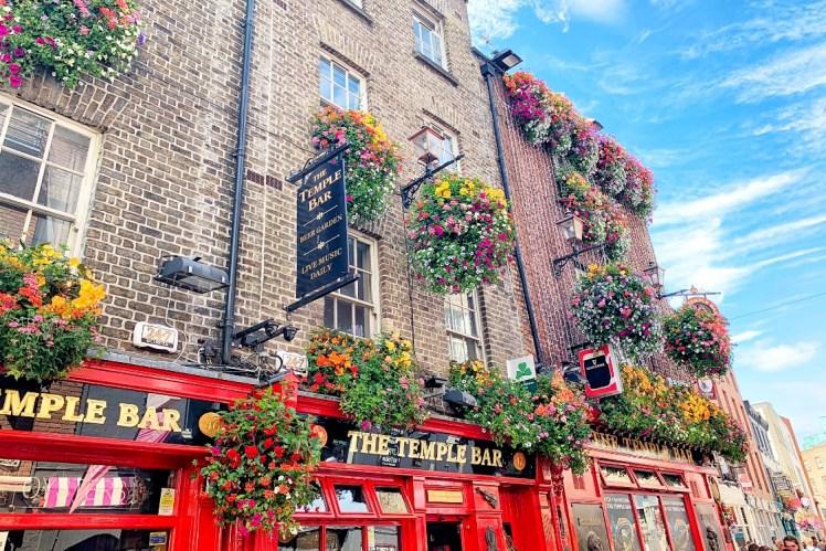 Temple Bar Pub 48 Hours in Dublin Toddling Traveler