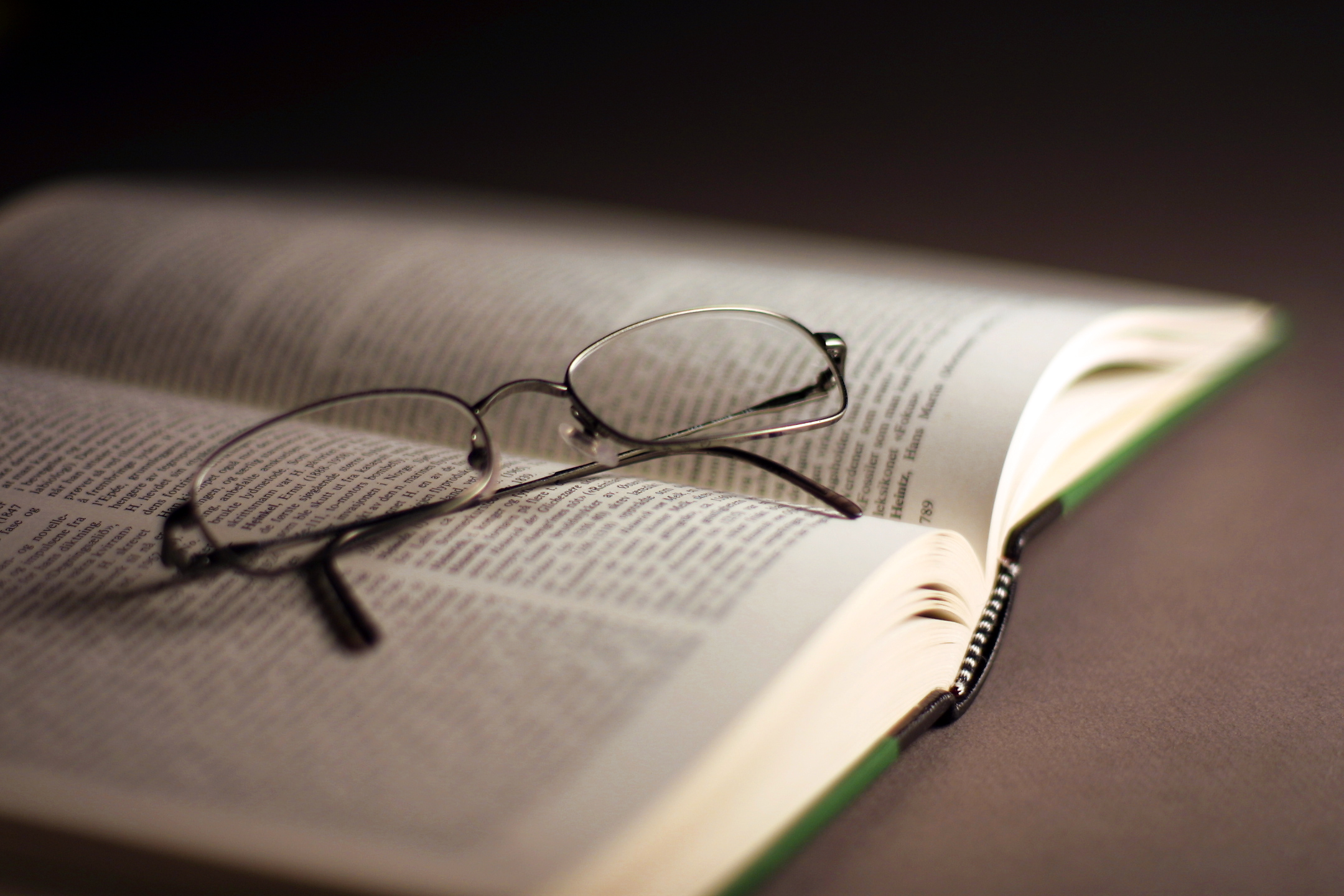 book-s-and-glasses-2-1482593