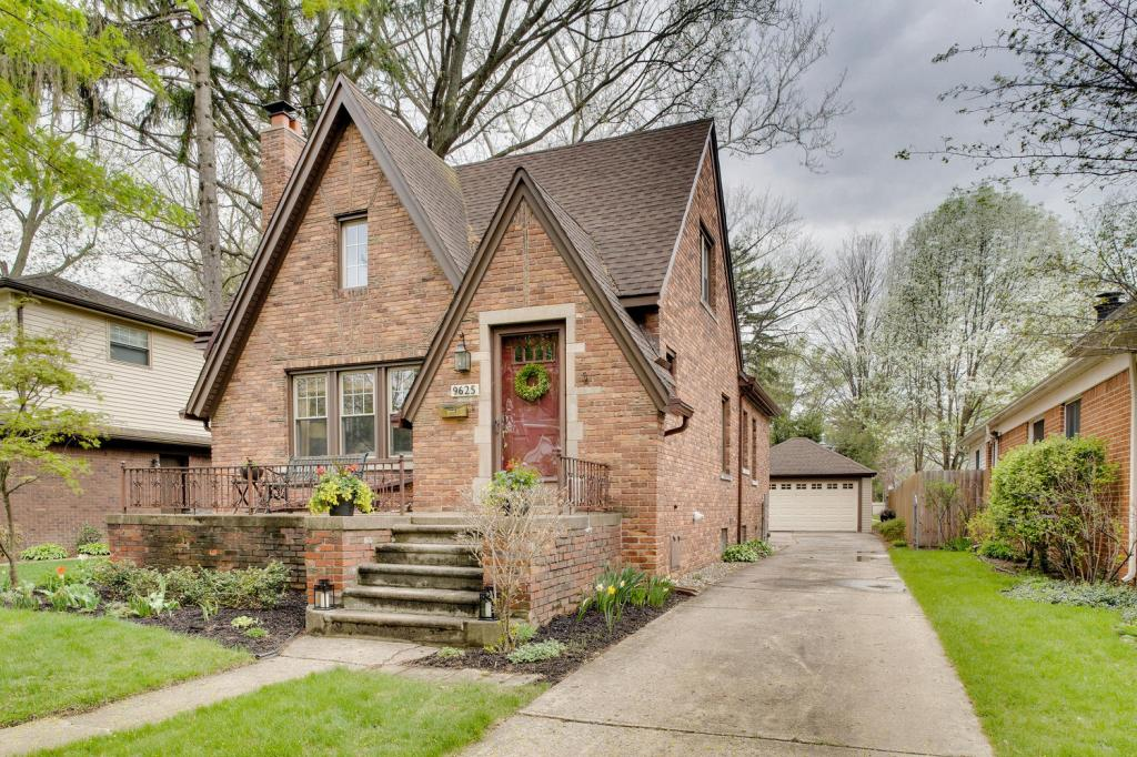 Old Rosedale Gardens Brick-large-002-Front View-1500x1000-72dpi