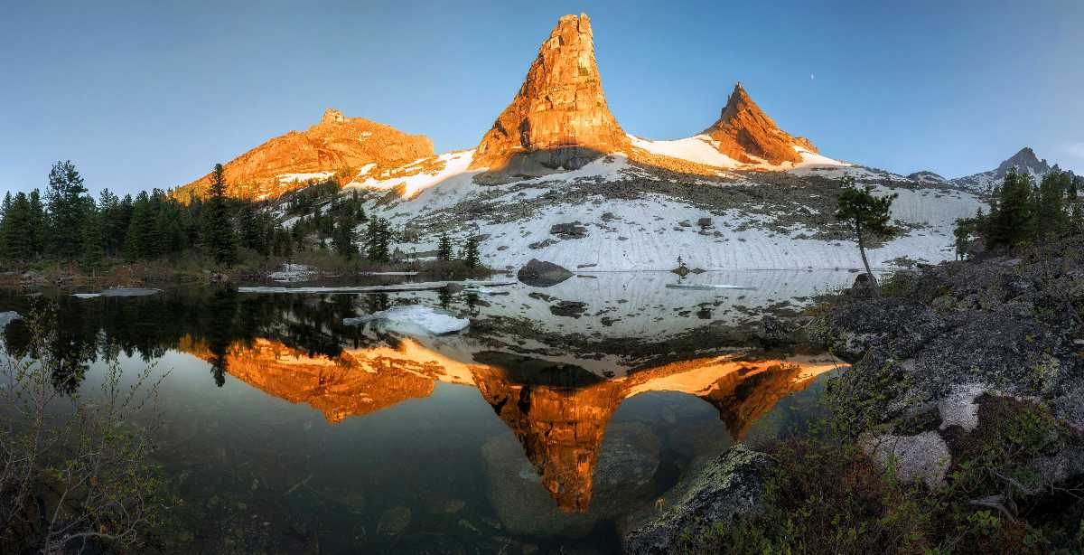 1 Parable Peak, reflected on the surface of Painters Lake at the sunset