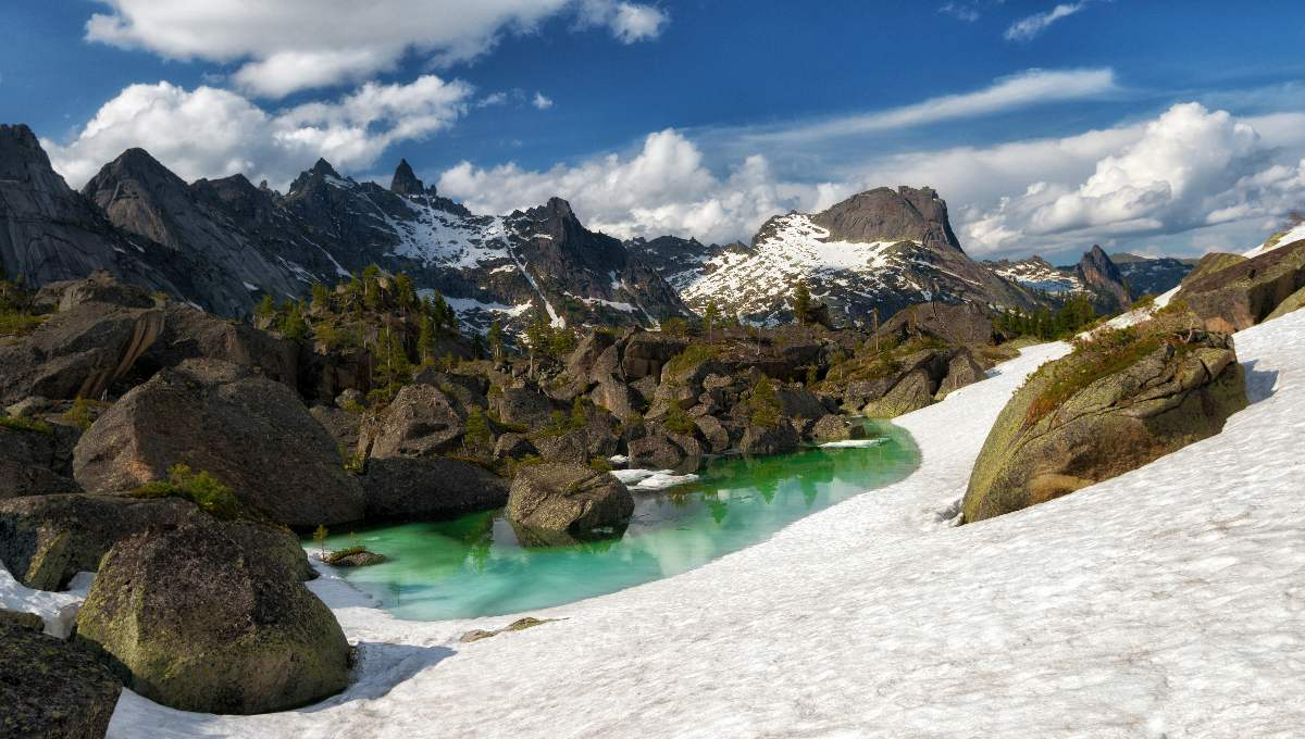 10 Amazing Lake Harmony is located behind the Painters Mountain Pass