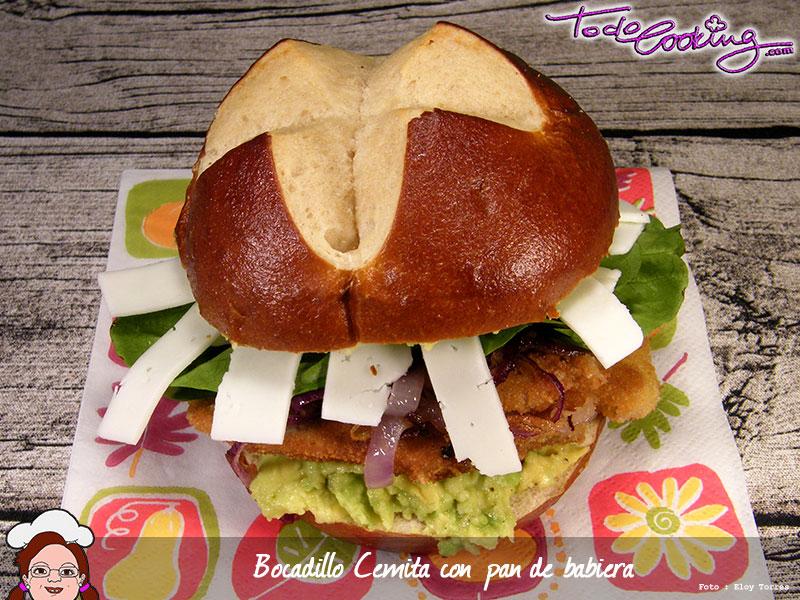 Cemita con pan de baviera
