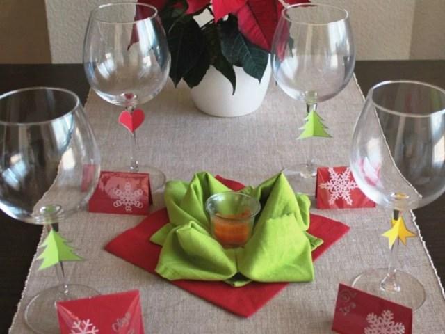 ##Meseros, Copas decoradas y centro de mesa con servilletas