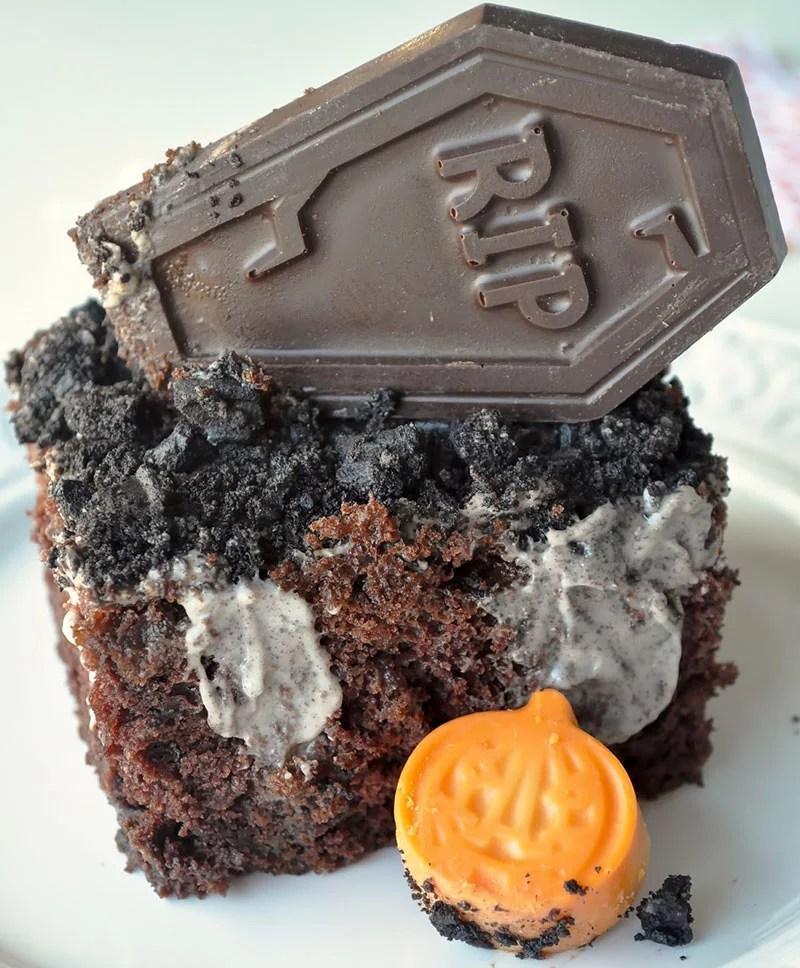 Tumba Poke Cake