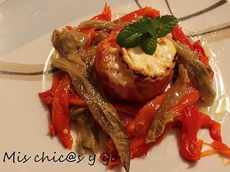 tomate-gratinado-con-queso-en-nido-de-berenjena-y-pimiento-rojo verduras y hortalizas