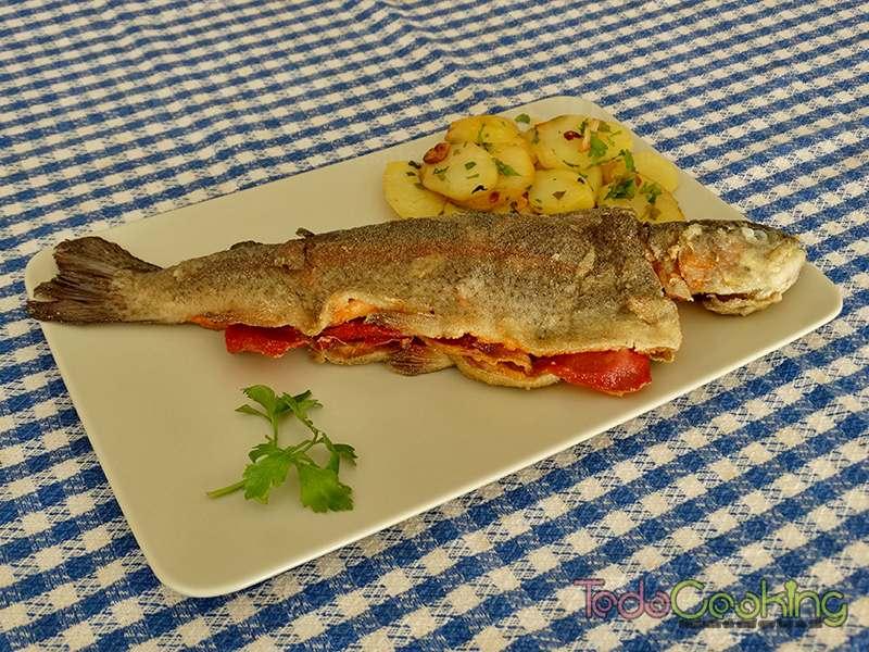 Trucha-a-la-navarra pescados y marisco