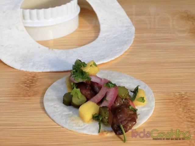 Tacos de pollo marinado con salsa de mango 05