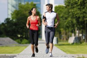 Hacer ejercicio periódicamente es otra forma de acelerar el metabolismo