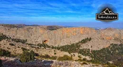 Grandes Paredes de Leiva en Sierra Espuña actualmente un fuerte atractivo visual y deportivo para la escalada.