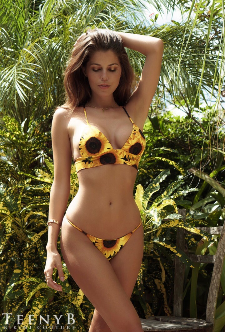 Sunflowers and a Bikini 🌻