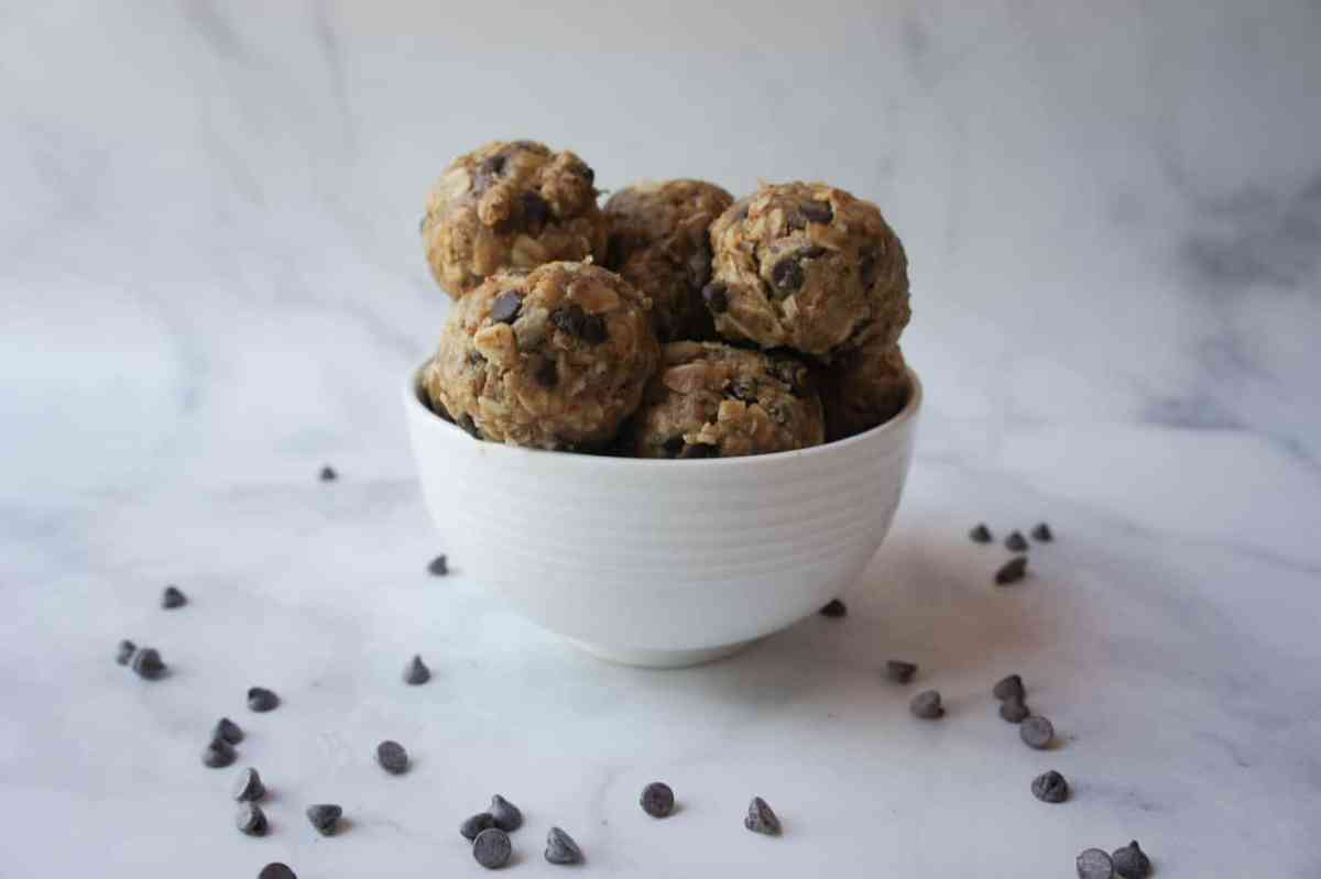 No Bake Chocolate Chip Peanut Butter Coconut Energy Bites