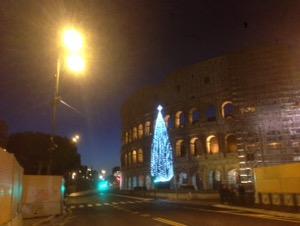ローマで早朝ランコロッセオの景色