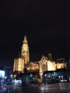 アントワープの大聖堂、早朝ラン
