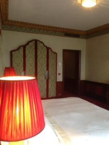 ホテルダニエリベネチア滞在記お部屋のベッド