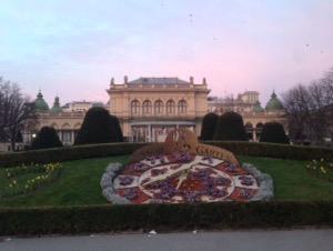 ウィーン早朝ランウィーンの市立公園朝焼け
