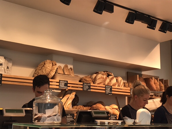 Zeit Fur Brot フランクフルトの大人気ビオパン屋さん店内