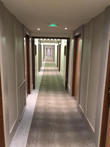 Hotel Novotel Paris Centre Bercy部屋までの廊下