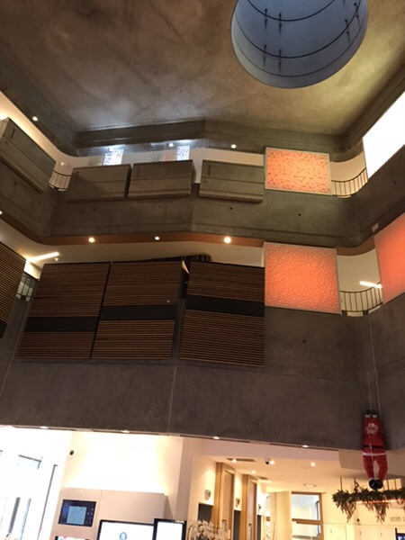 Hotel Novotel Paris Gare de Lyon滞在記ホテルのロビー