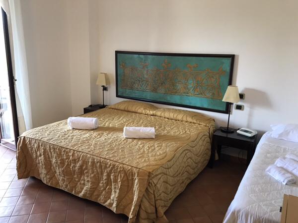 Hotel Garden vulcano部屋ベッド