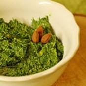 Spinat-Mandel-Pesto