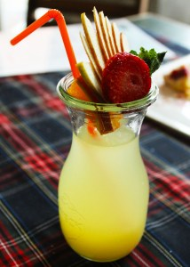 Hausgemachte Zitronen Limonade