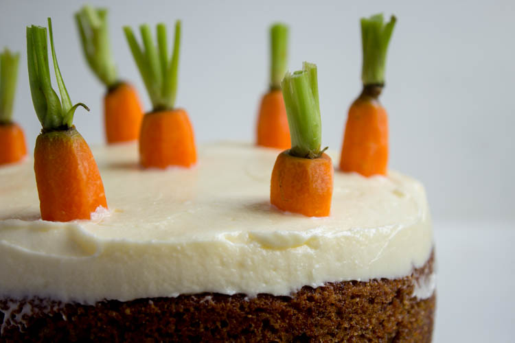 glutenfreier Carrot Cake Frischkäsecreme