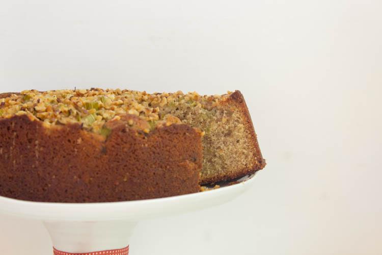 Schneller Rhabarber-Haselnuss-Kuchen