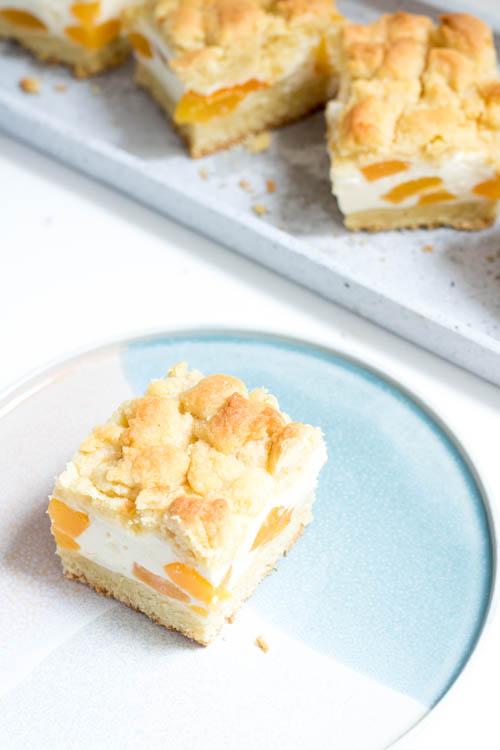 Aprikose-Schmand-Streuselkuchen