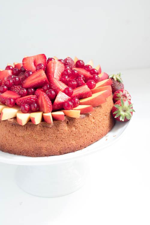 Rezept Biskuitkuchen mit Erdbeeren
