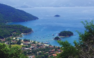 BEST-TRAV-Ilha-Grande-view-over-Abraao