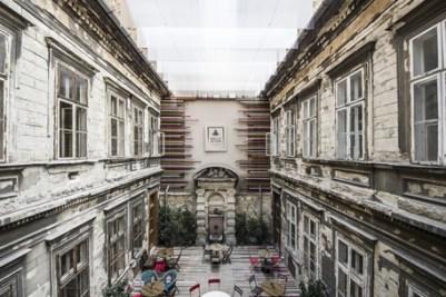 Brody-House-Studios-courtyard
