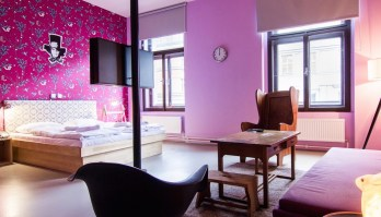 fusion-hotel-prague-vintage-room-colorful