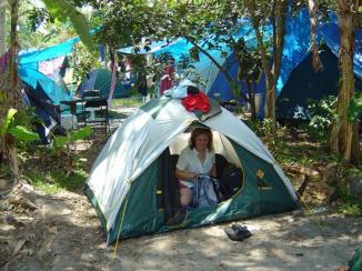 oz_and_nz.1077055200.byron_bay_tent