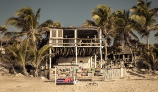 papaya-playa-project-architecture-bar-beach-m-01-x2