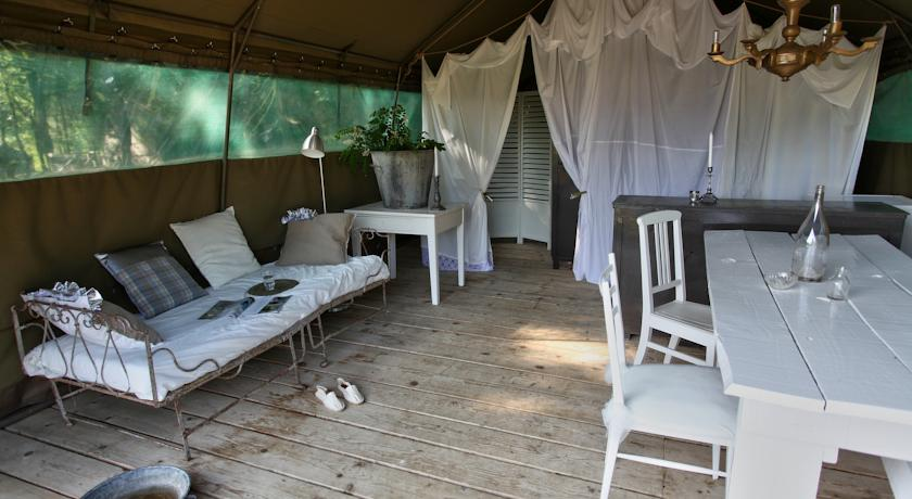 camping-les-ormes-hotels-france-saint-etienne-de-villereal-36568_57867orjxm