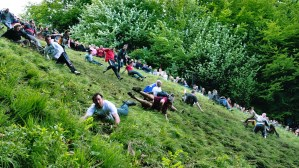 HERO_COOPERS_HILL_CHEESE_ROLLING_mike_warren_httpflic.krpeLMfU
