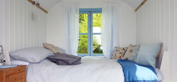 king_bedwindow_cs_gallery_preview