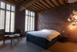 La-Suite-Sans-Cravate-in-Bruges-Belgium-9