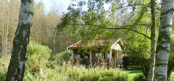 looking-through-to-the-arc-cabin-cambridgeshire_cs_gallery_preview