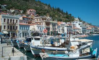 peloponnesos-vissershaventje-bij-peloponnesos-griekenland