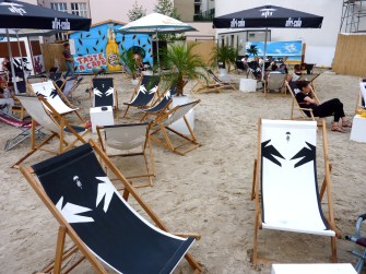 charlies-beach-berlin-mitte-checkpoint-charly